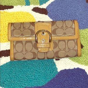 Authentic coach wallet excellent condition